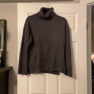 Turtle neck sweater BRAND NEW 🤩